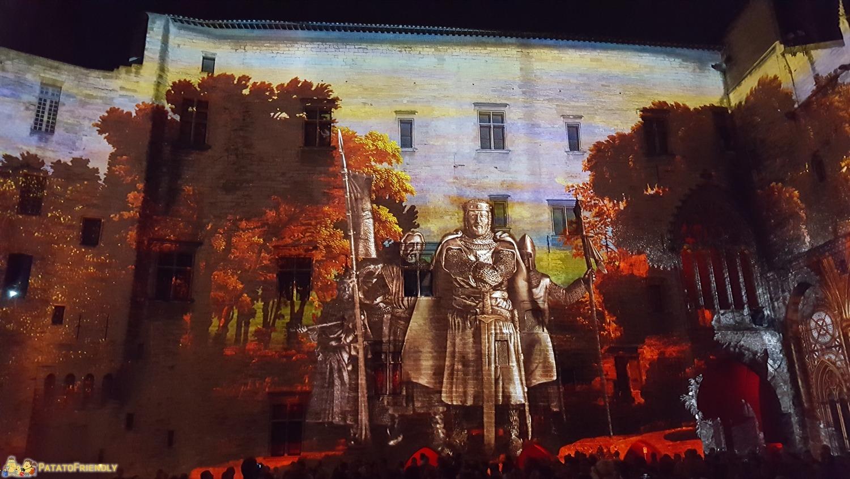 [cml_media_alt id='8465']Avignone in un giorno - Lo spettacolo Luminessence nel Palazzo dei Papi[/cml_media_alt]