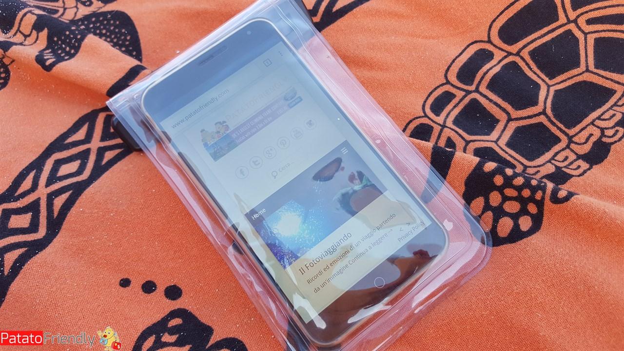 nuovo arrivo 4b2b1 41624 Recensione custodia impermeabile per cellulari Aukey ...