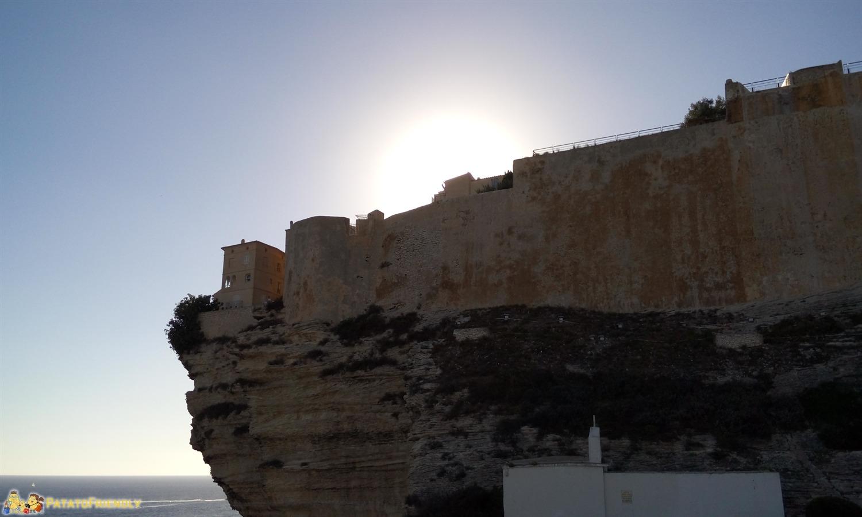 Un viaggio in Corsica - La città di Bonifacio a picco sulla scogliera