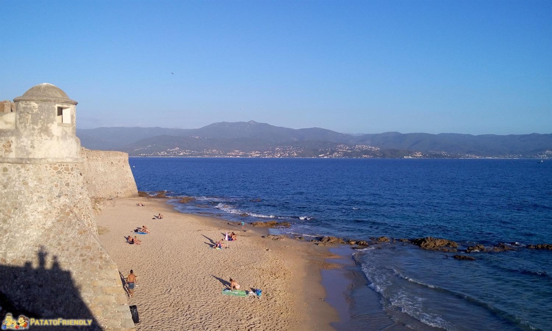 Un viaggio in Corsica - La spiaggia dela Cittadella di Ajaccio