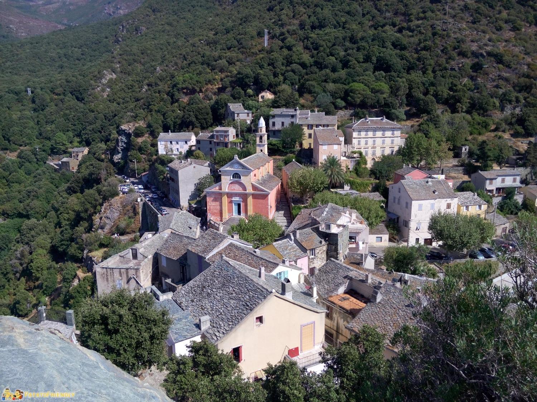 [cml_media_alt id='8425']Consigli per un viaggio in Corsica - Vista sulla cittadina di Nonza[/cml_media_alt]