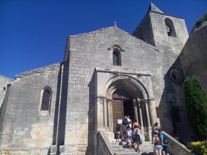 [cml_media_alt id='8583']La piccola chiesa di Le Baux de Provence[/cml_media_alt]
