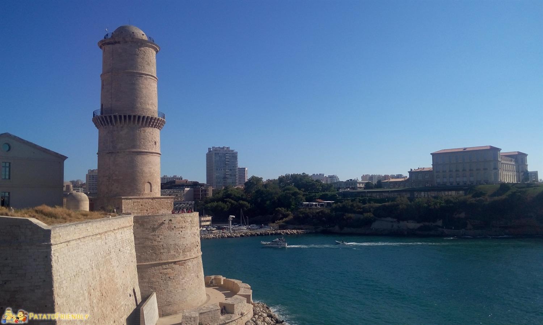 [cml_media_alt id='8507']La rocca all'imbocco del porto antico di Marsiglia[/cml_media_alt]