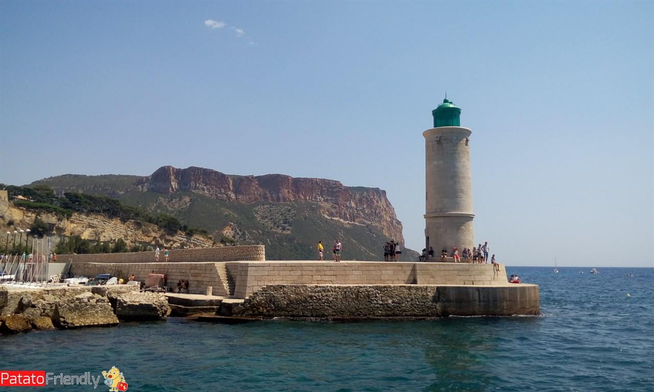 [cml_media_alt id='9995']Cassis - Il faro del porto turistico[/cml_media_alt]