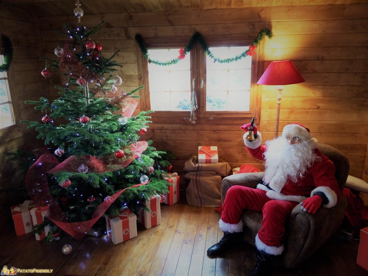 Babbo Natale al Darsena Christmas Village Milano