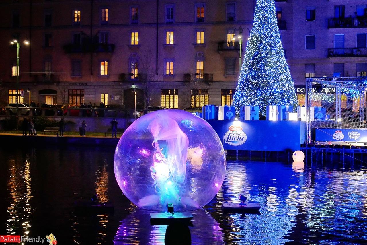 [cml_media_alt id='16349']Darsena Christmas Village - il villaggio di Natale alla Darsena di Milano illuminato la sera[/cml_media_alt]