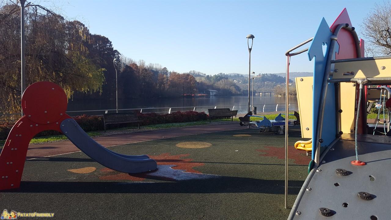 [cml_media_alt id='9467']Gita al Lago d'Iseo - Il parco giochi sulle sponde dell'Oglio a Sarnico[/cml_media_alt]
