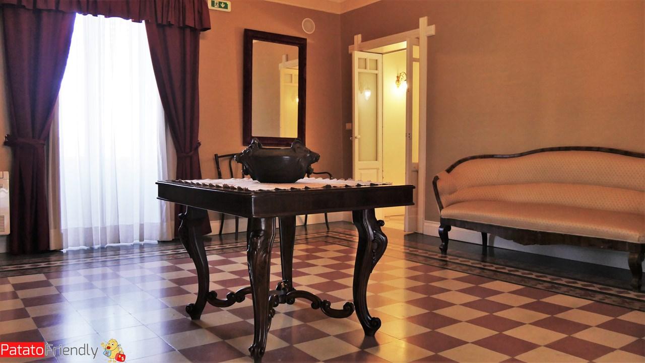 [cml_media_alt id='10594']Dimora De Mauro a Catania - Gli arredi ottocenteschi[/cml_media_alt]