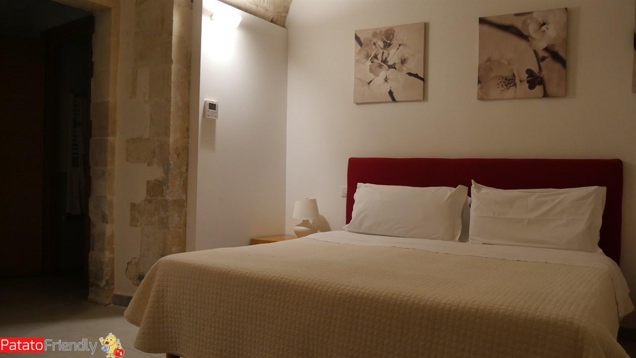 [cml_media_alt id='10672']Il Giardino sul Duomo - Ragusa Ibla - La camera matrimoniale del bilocale[/cml_media_alt]