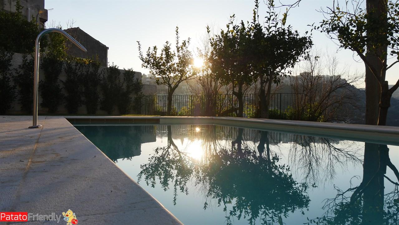 [cml_media_alt id='10676']Il Giardino sul Duomo - Ragusa Ibla - La piscina[/cml_media_alt]