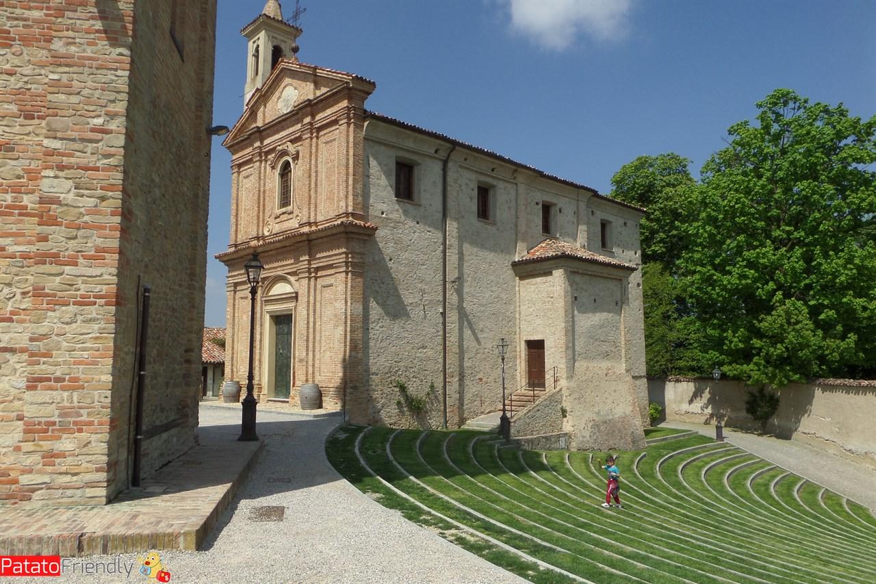 Monforte d'Alba - La piazza della scala d'erba