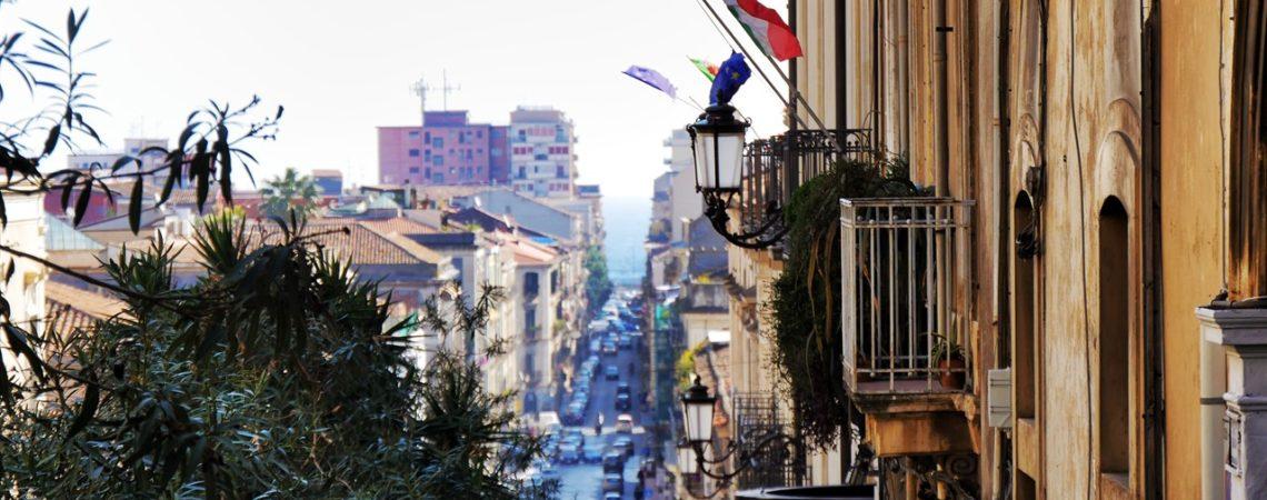 Catania - Via Antonino di Sanguiliano presso la Dimora De Mauro