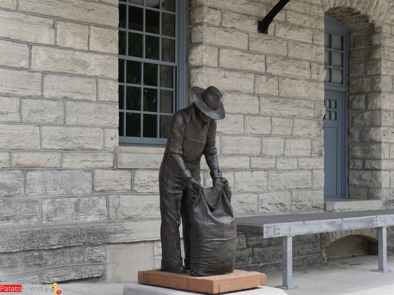 [cml_media_alt id='11566']Minneapolis - Una statua che testimonia il passato della Mill City[/cml_media_alt]