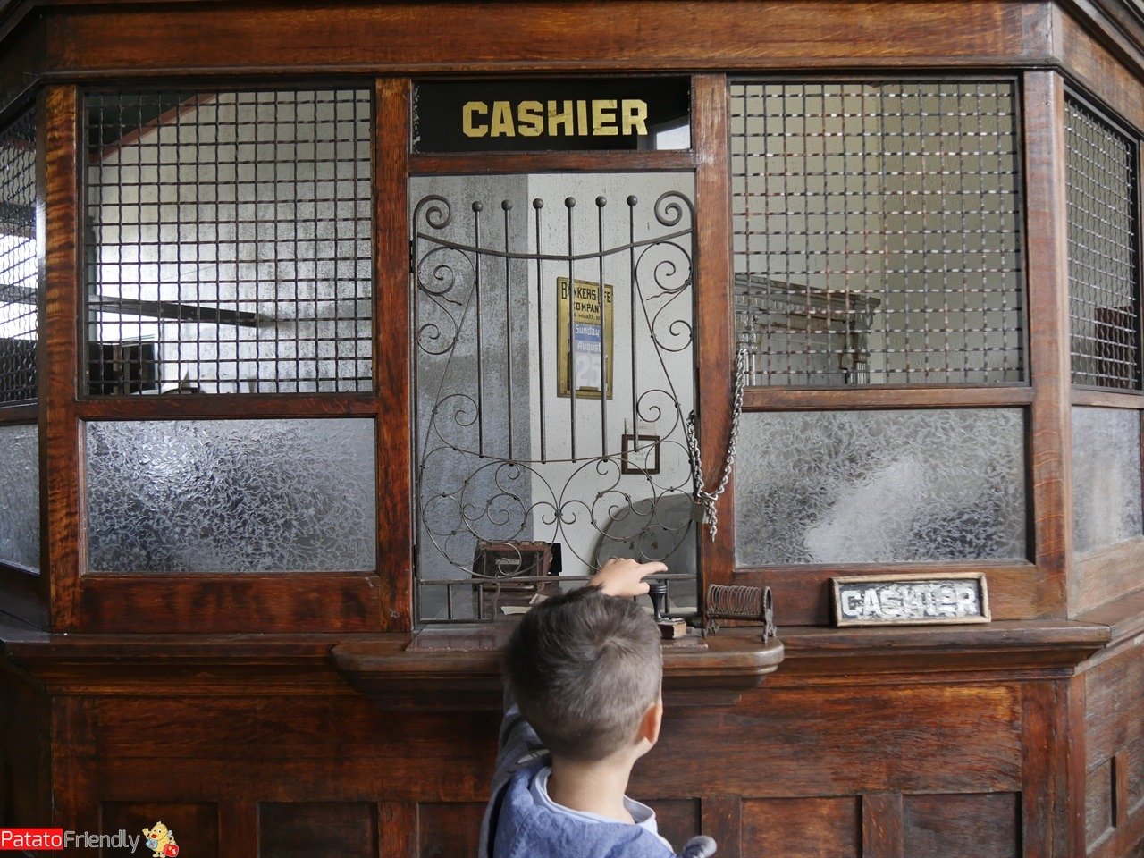 [cml_media_alt id='11541']Viaggio in South Dakota - The Historic Prairie Village - La banca[/cml_media_alt]