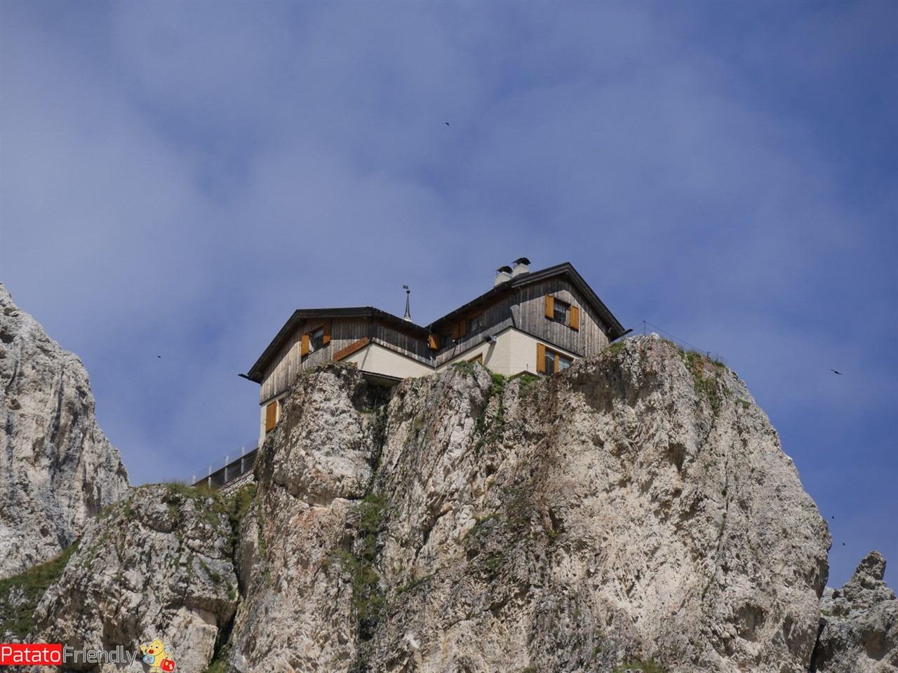 [cml_media_alt id='11967']Trekking in Val di Fassa in famiglia - Sulla via per il Preuss[/cml_media_alt]