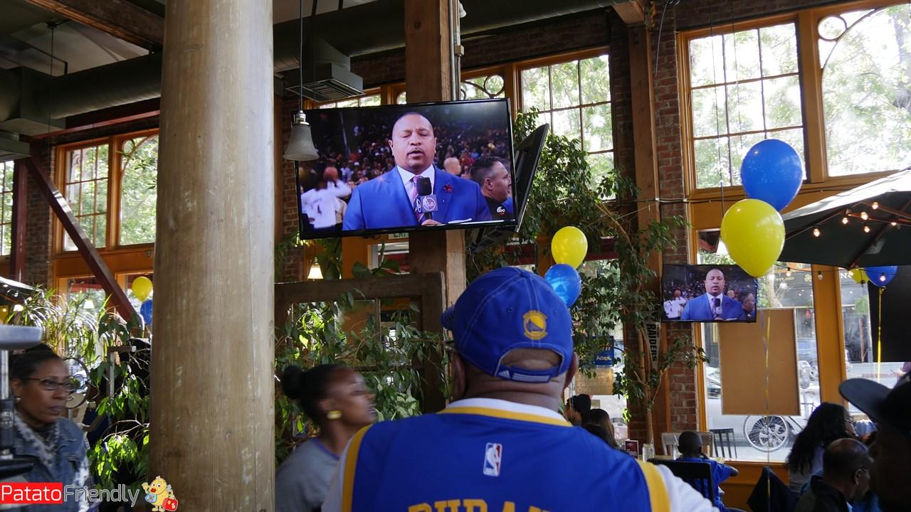 Vedere la partita dei Warriors a Oakland