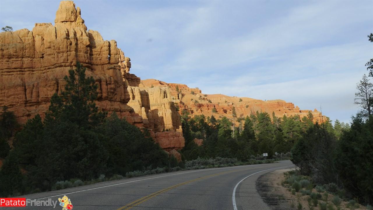 [cml_media_alt id='12077']Verso il Bryce Canyon - la strada nel Red Canyon[/cml_media_alt]