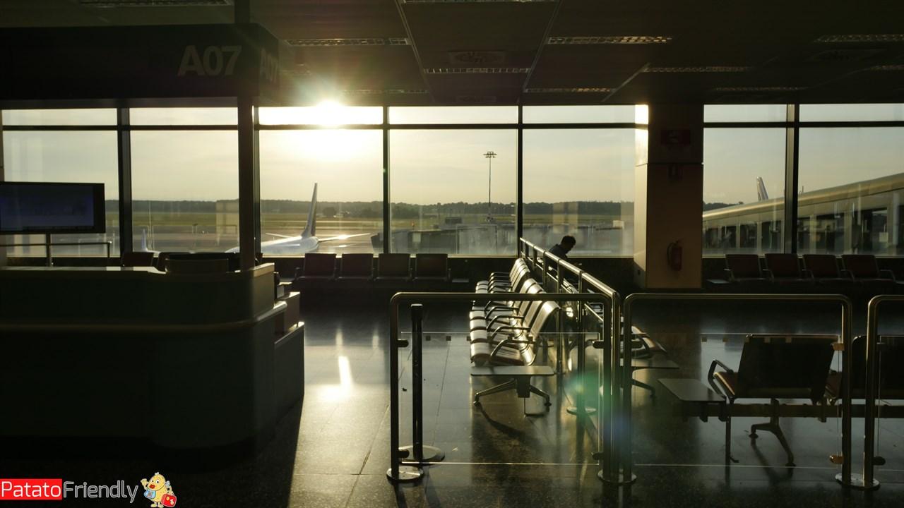 [cml_media_alt id='12360']Alba su Malpensa la mattina del volo per gli USA[/cml_media_alt]