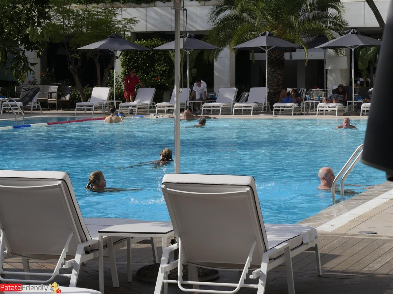 Dove dormire a Atene - La piscina dell'Hilton Athens