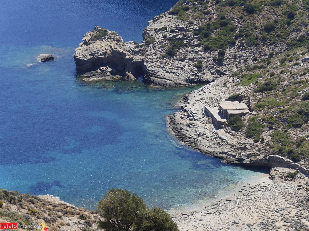 [cml_media_alt id='12230']Isola di Kea - La rocciosa spiaggia di Kastri[/cml_media_alt]