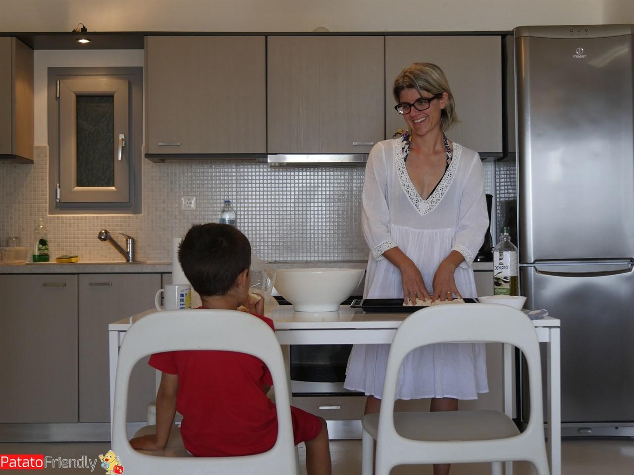 [cml_media_alt id='12311']La nostra casa a Kea - impastare la pizza[/cml_media_alt]