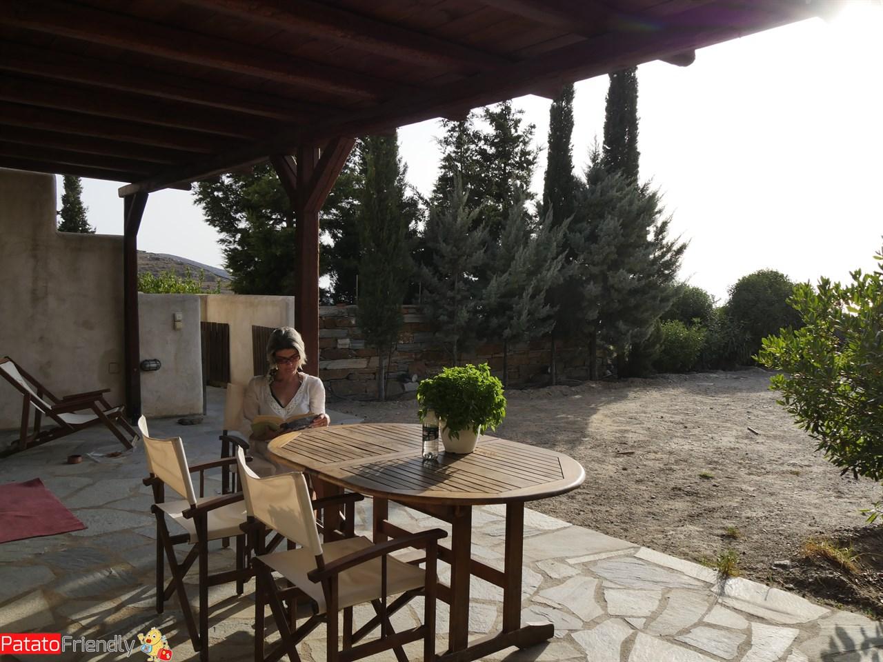 [cml_media_alt id='12315']Leggere nel portico della casa di Kea[/cml_media_alt]