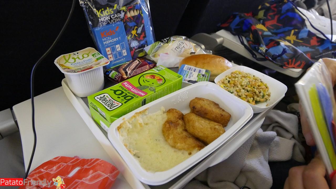 [cml_media_alt id='12365']Pranzo speciale per il bimbo in volo per Los Angeles[/cml_media_alt]