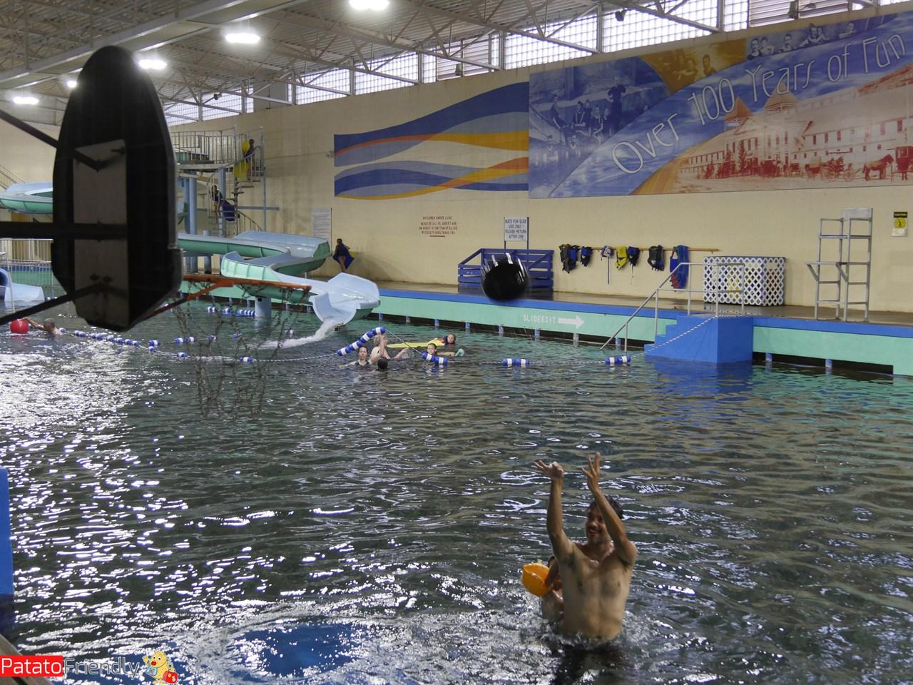 Water Basket a Evans Plunge