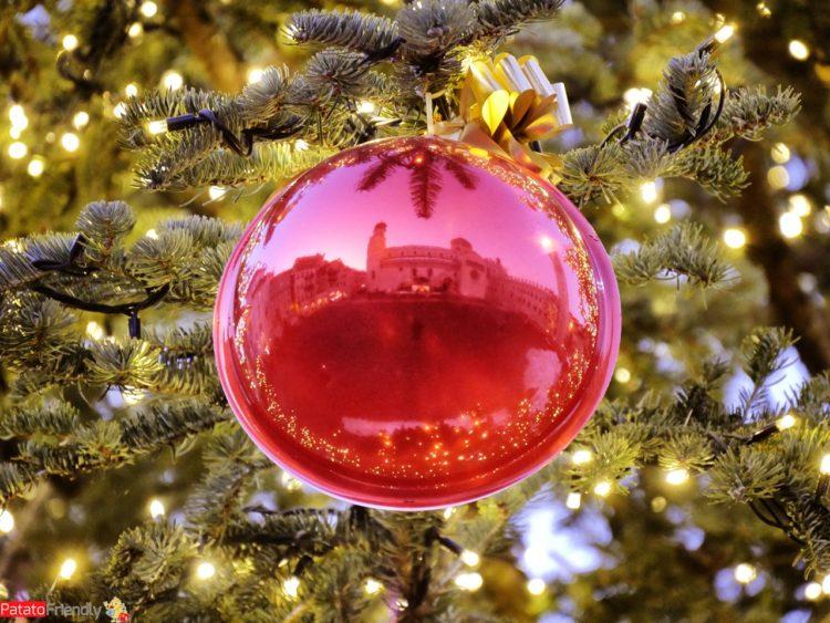 Particolare dell'albero di Natale di Trento