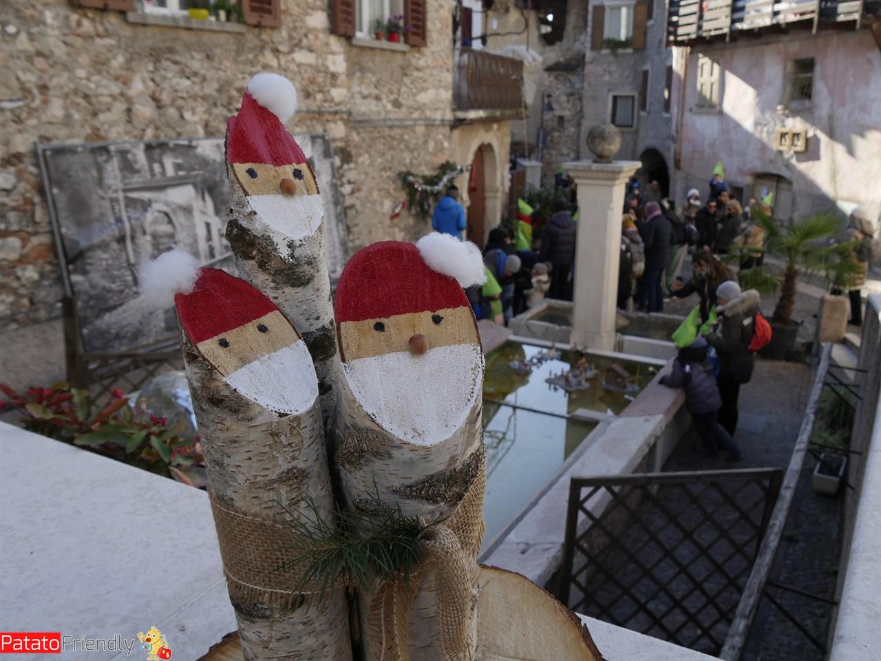 [cml_media_alt id='13048']i bambini dell'Accademia degli Elfi di Riva del Garda ascoltano la storia[/cml_media_alt]