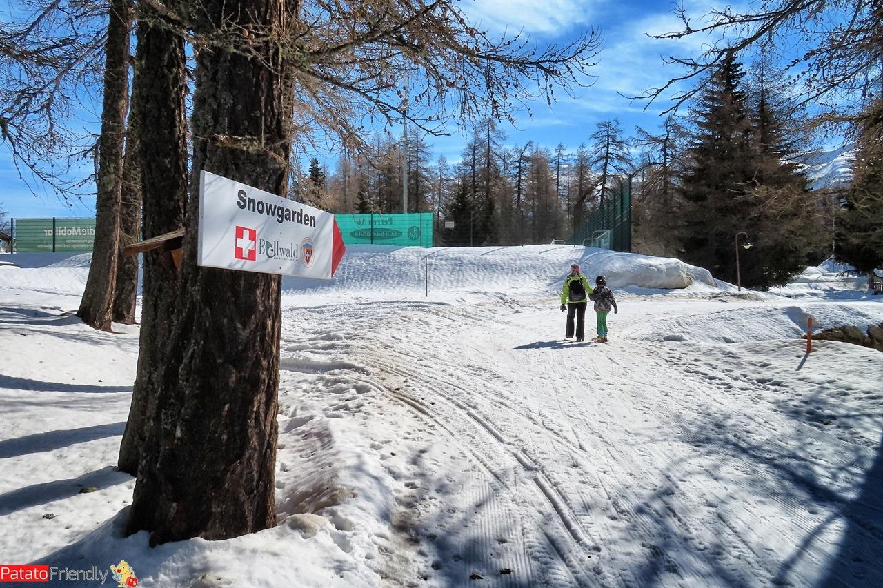 Bellwald in Vallese sciare in Svizzera con i bambini