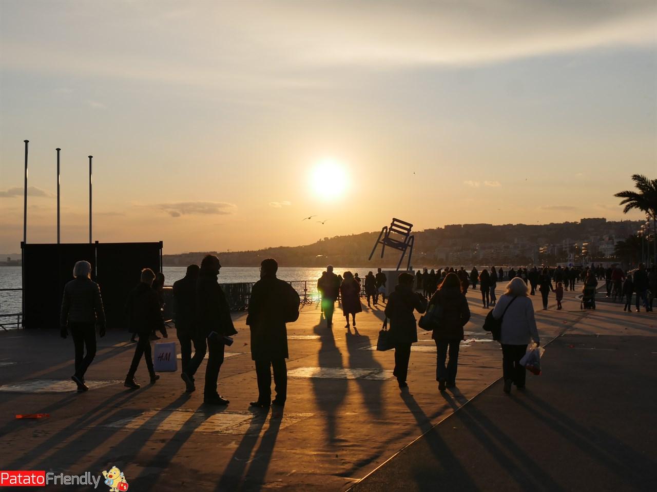 [cml_media_alt id='13673']La promenade des Angles di Nizza[/cml_media_alt]