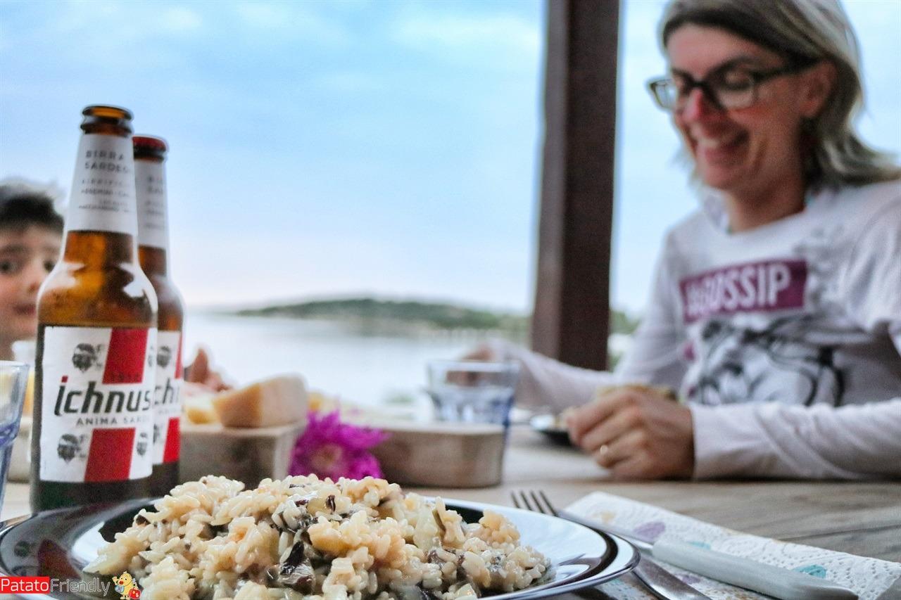 Cena in terrazza nella nostra casa sul mare in Sardegna