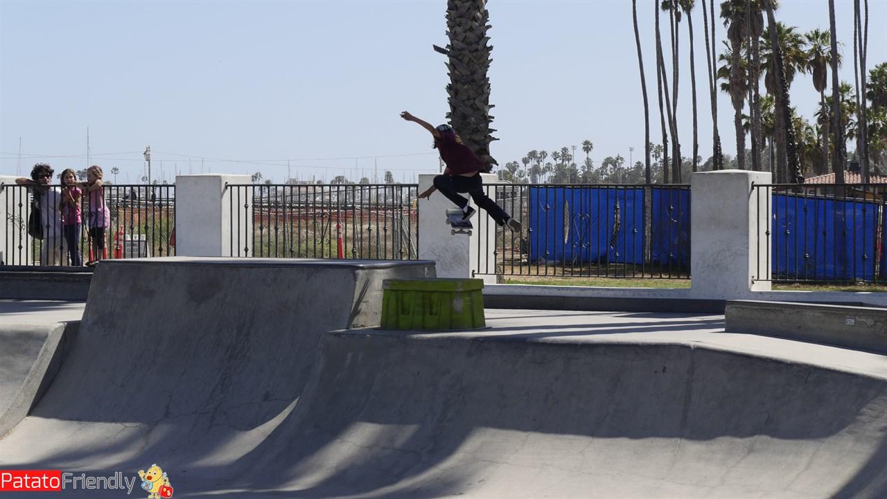 [cml_media_alt id='14218']Santa Barbara - skaters[/cml_media_alt]