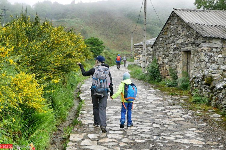 In Cammino verso Santiago con un bimbo