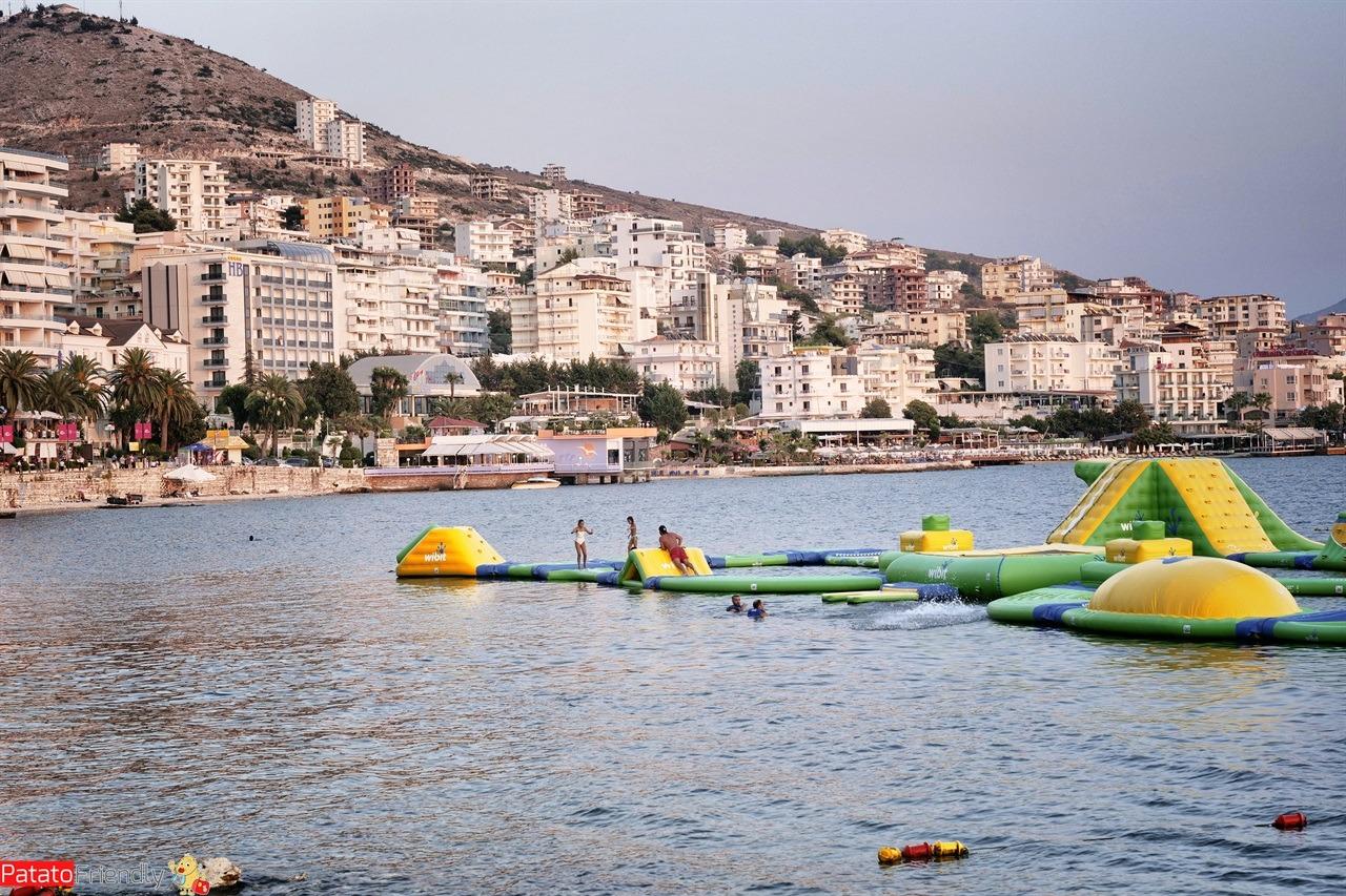 [cml_media_alt id='15758']Vacanza a Saranda coi bambini - i gonfiabili della spiaggia di Saranda[/cml_media_alt]