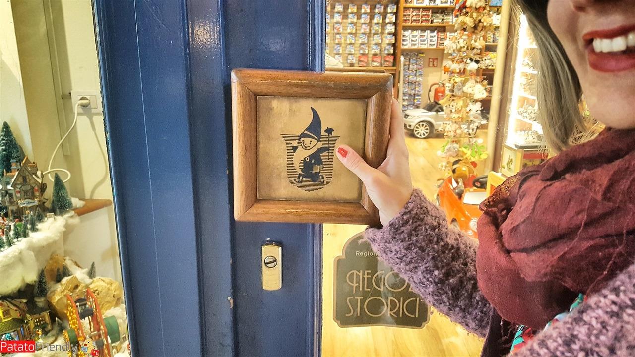 [cml_media_alt id='15971']Nano Bleu - negozio di giocattoli a Milano che è anche una delle botteghe storiche della città[/cml_media_alt]