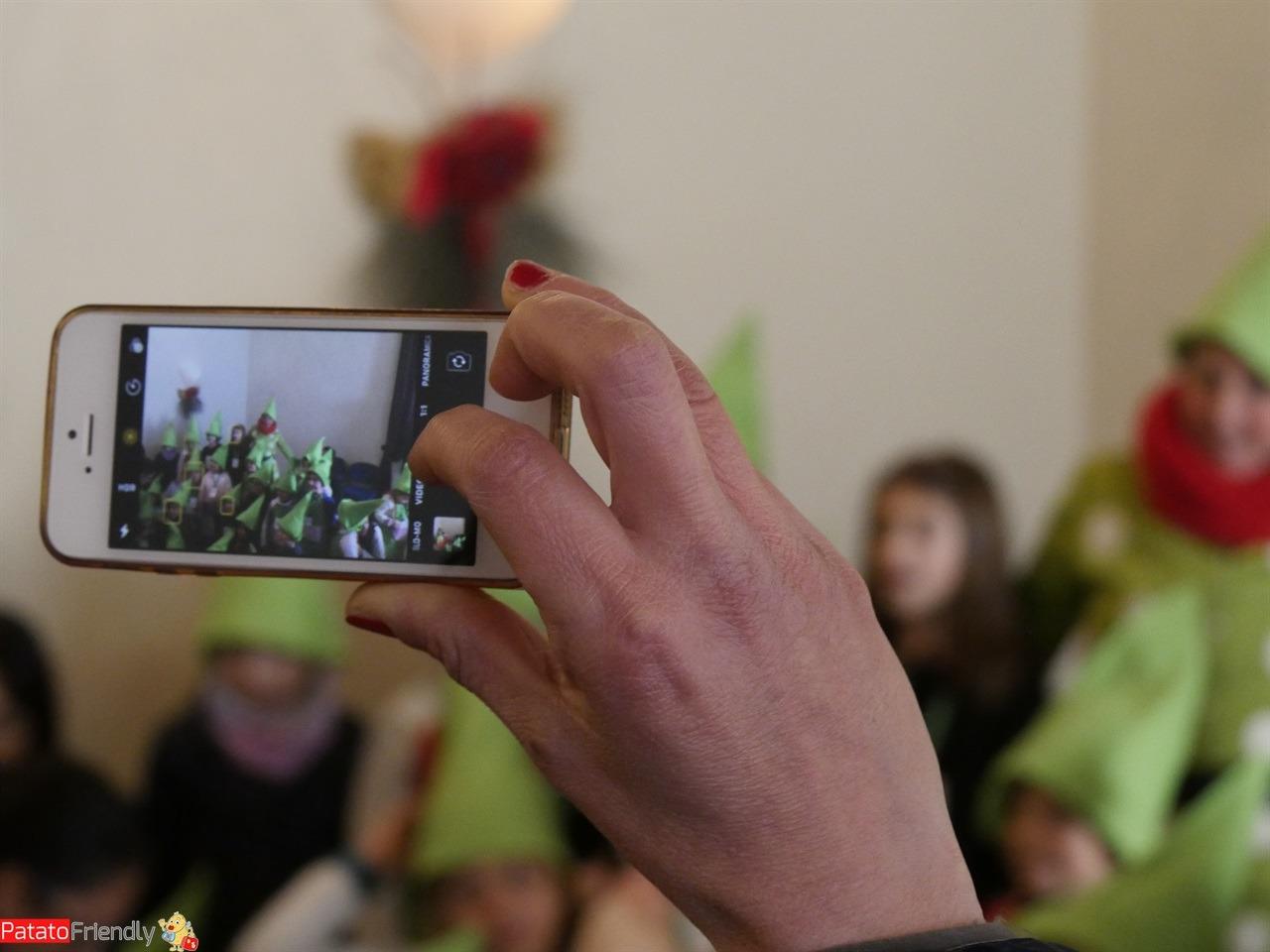 [cml_media_alt id='16149']Piccoli Elfi diplomati all'Accademia degli Elfi di Riva dopo aver trascorso un weekend alla Casa degli Elfi[/cml_media_alt]