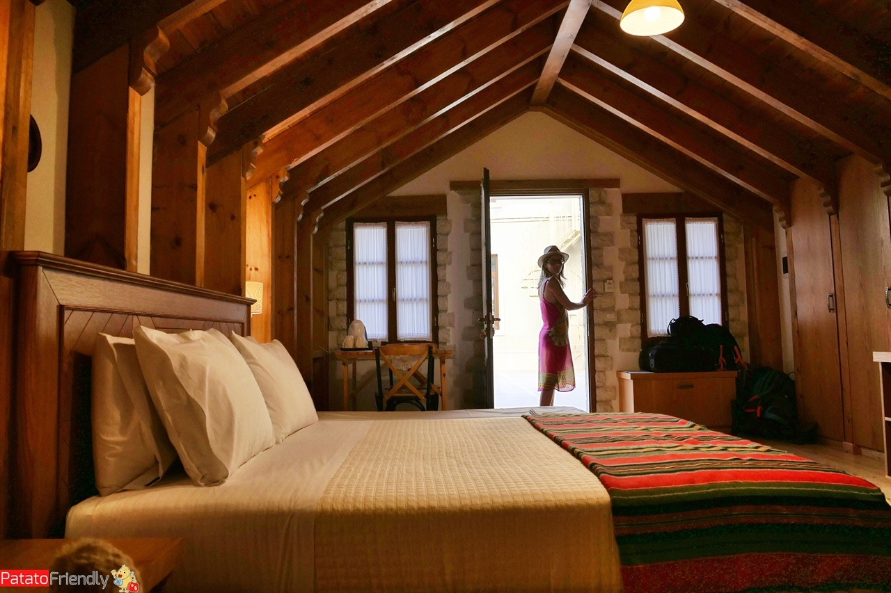 [cml_media_alt id='16034']Hotel Argjiro - Argjirocastro la nostra camera[/cml_media_alt]