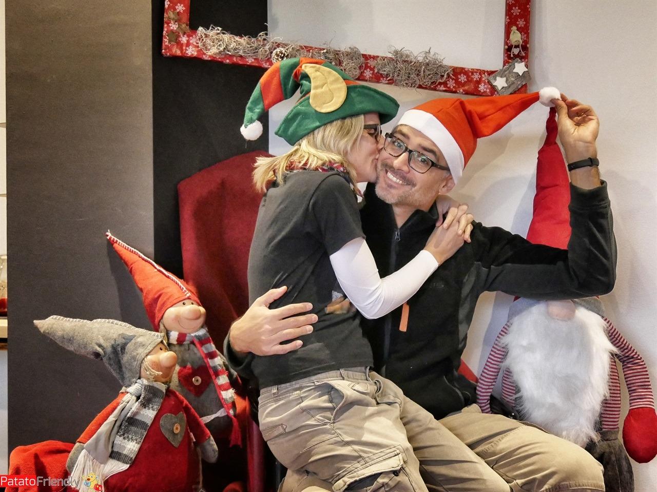 [cml_media_alt id='16155']Selfie moment nella lounge del Centro Vela addobbato per festeggiare il Natale - tutti pronti per andare alla Casa degli Elfi di Riva[/cml_media_alt]
