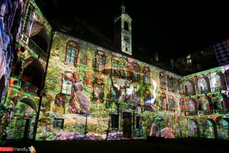 Mercatini di Natale dell'Alto Adige - lo spettacolo di Luci al Palazzo Vescovile di Bressanone