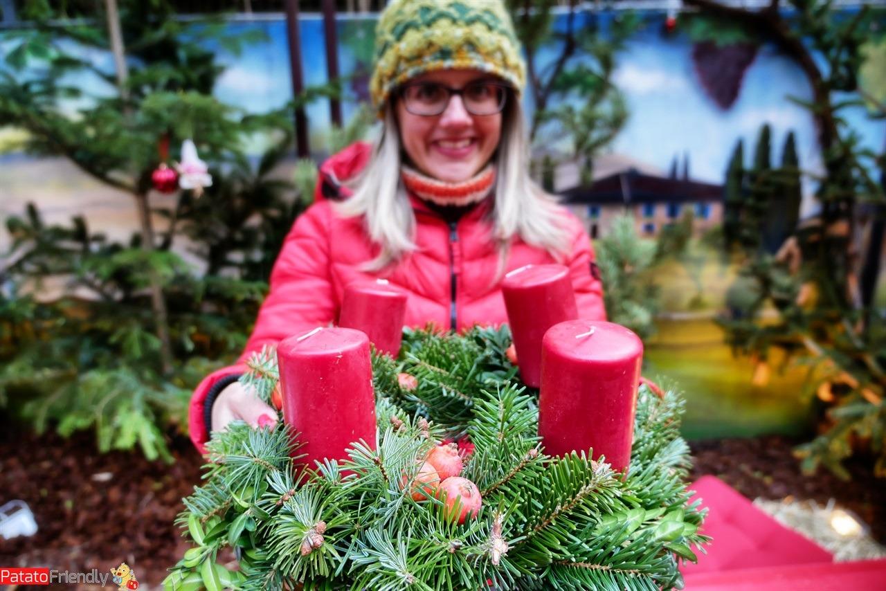 [cml_media_alt id='16245']I laboratori ai mercatini natalizi altoatesini - la corona dell'Avvento dell'Alto Adige[/cml_media_alt]