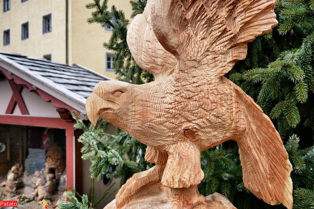 [cml_media_alt id='16404']Brunico - Le sculture di legno del mercatino[/cml_media_alt]