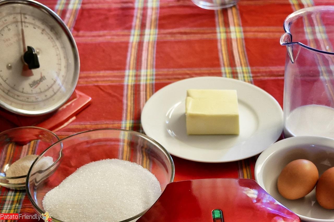 [cml_media_alt id='16325']Gli ingredienti per i Cupcake di Natale[/cml_media_alt]