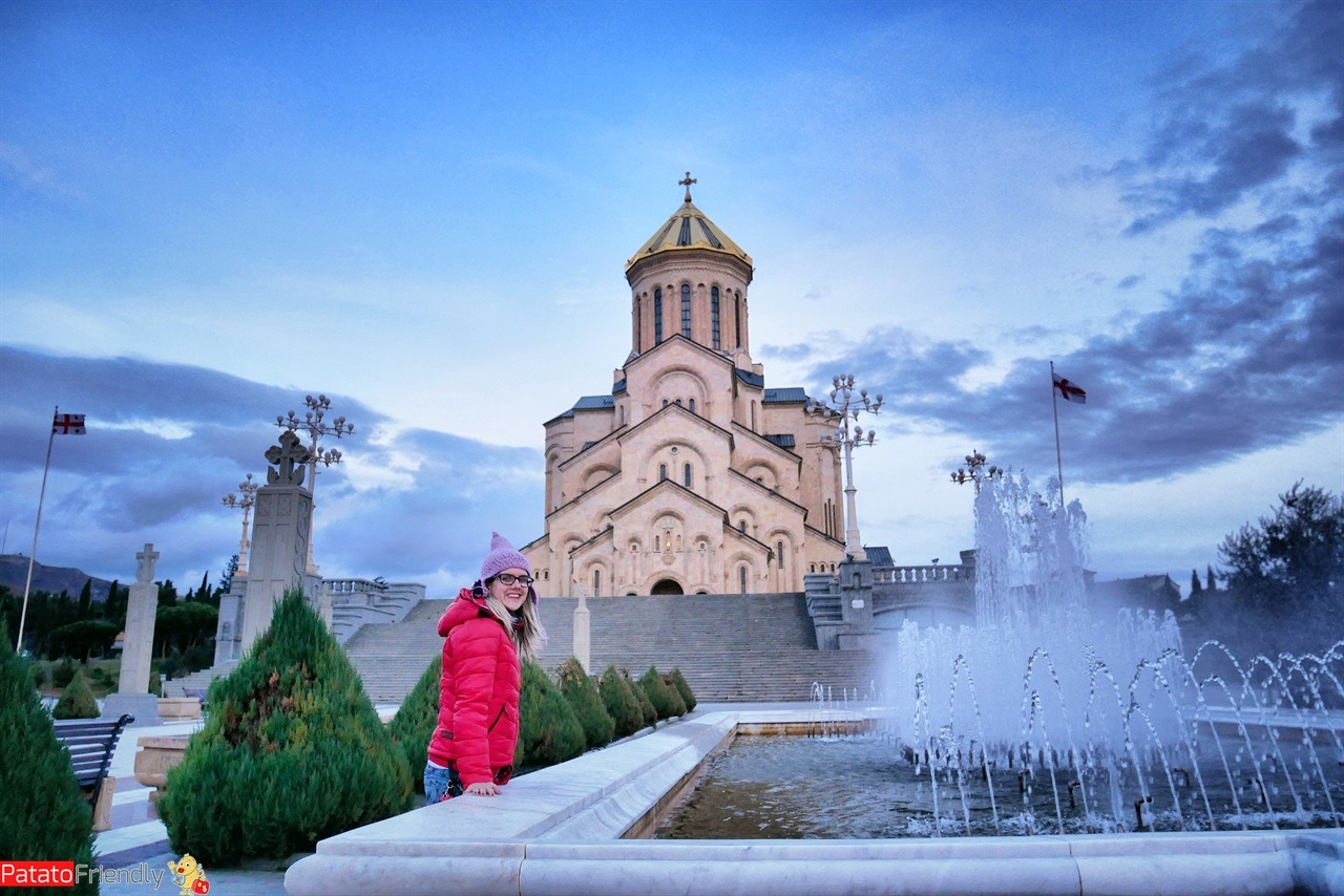 [cml_media_alt id='16514']Luoghi da vedere a Tbilisi in Georgia - la Cattedrale della Santa Trinità in Georgia[/cml_media_alt]
