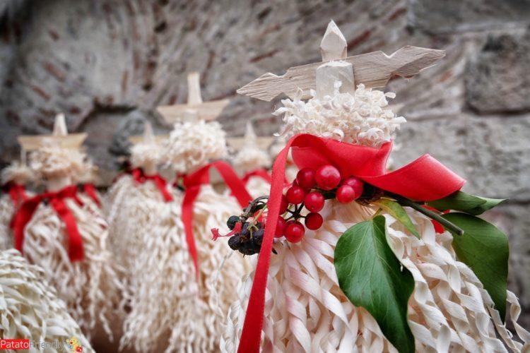 I chichilaki - gli alberi di Natale tradizionali georgiani - tradizioni della Georgia a Natale immagini del Capodanno in Georgia