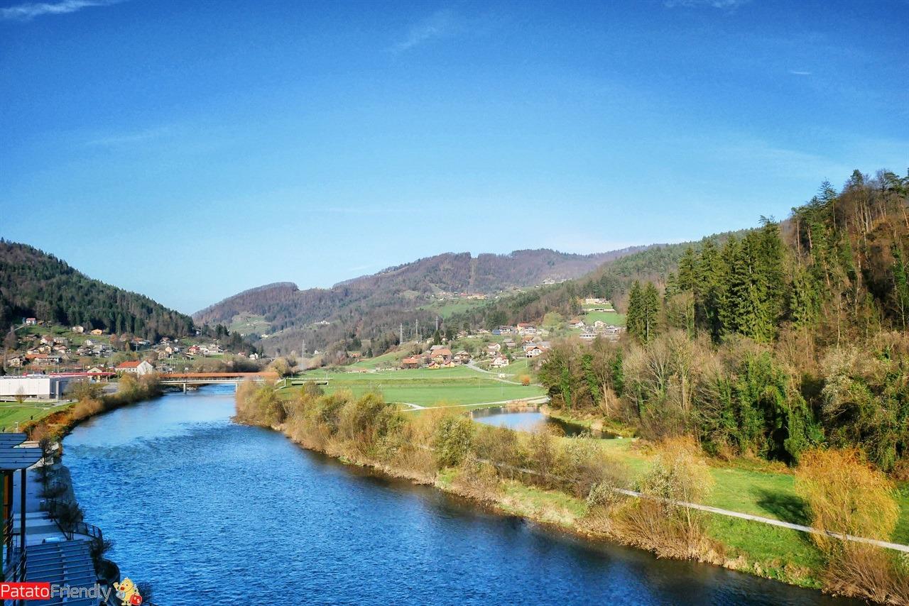 [cml_media_alt id='16276']Terme Lasko il fiume che scorre davanti all'hotel delle Terme Lasko e al centro termale[/cml_media_alt]