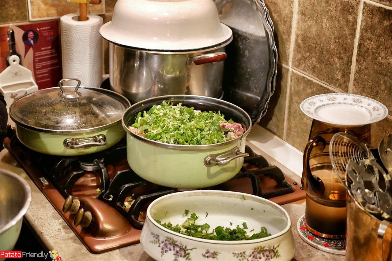 [cml_media_alt id='16491']Mangiare in Georgia - Chakapuli in preparazione[/cml_media_alt]
