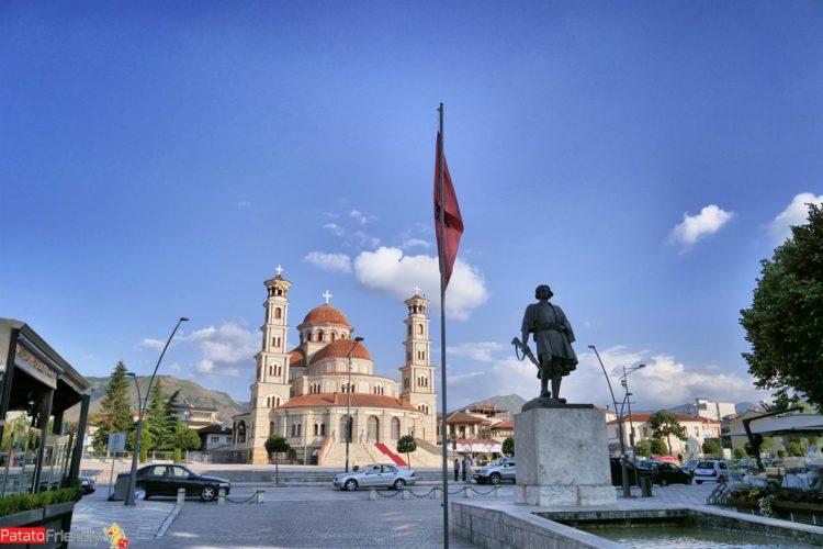 La cattedrale ortodossa della città di Korca in Albania