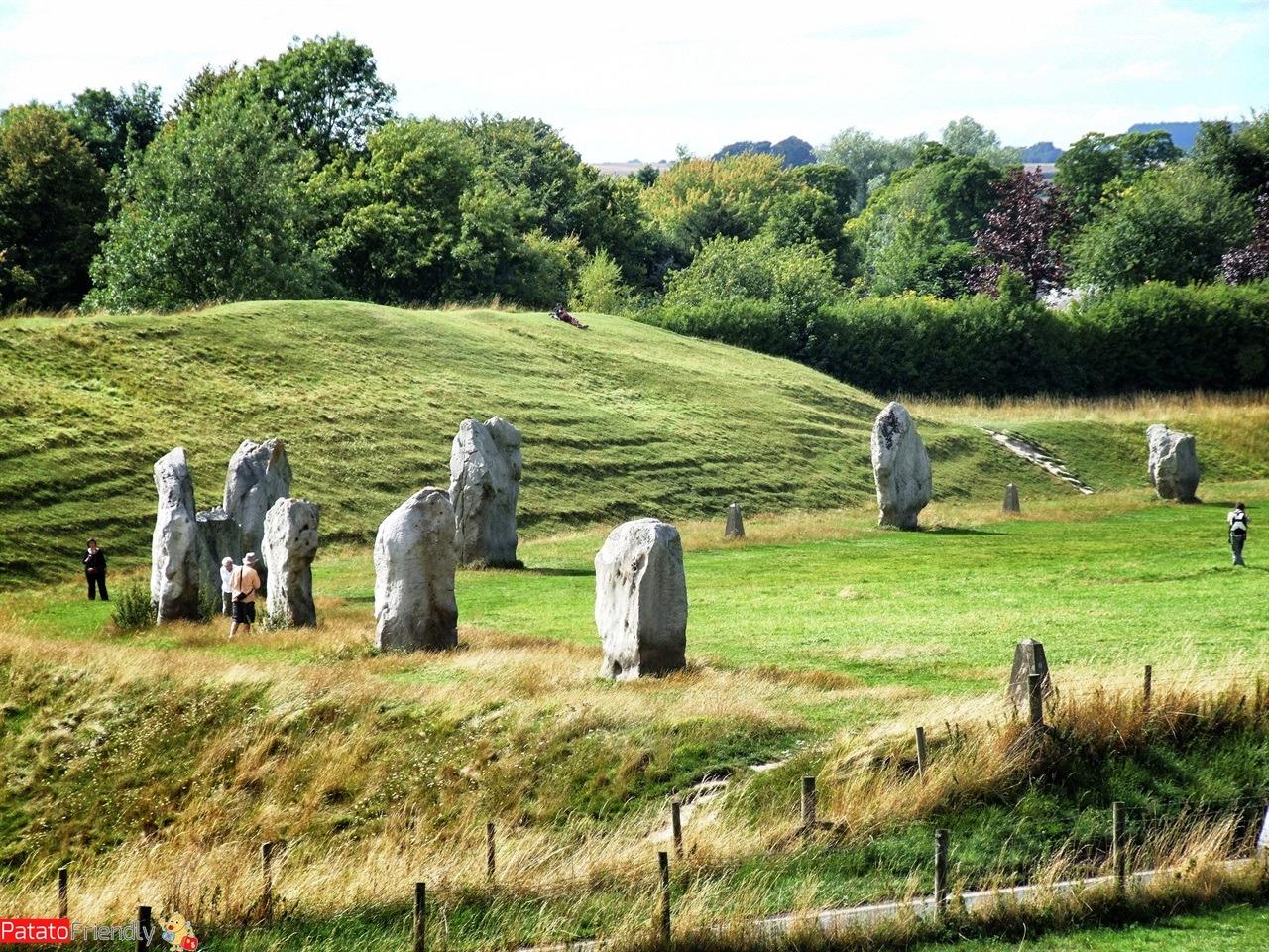 Viaggio in Inghilterra del sud Il cerchio di pietra di Avebury